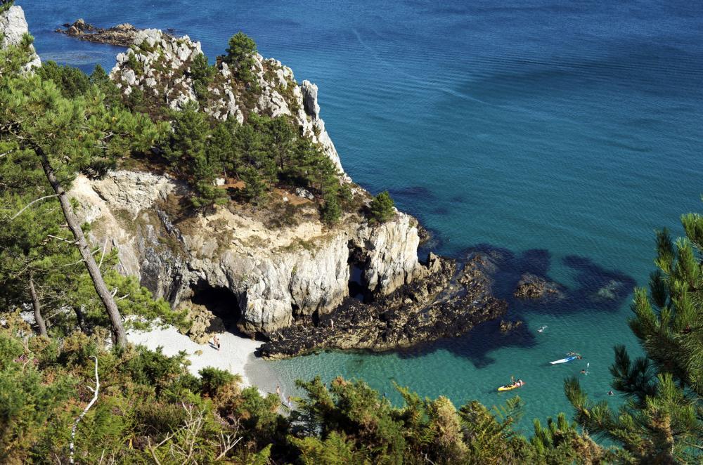 Vue de haut de la Presqu'île de Crozon en Bretagne